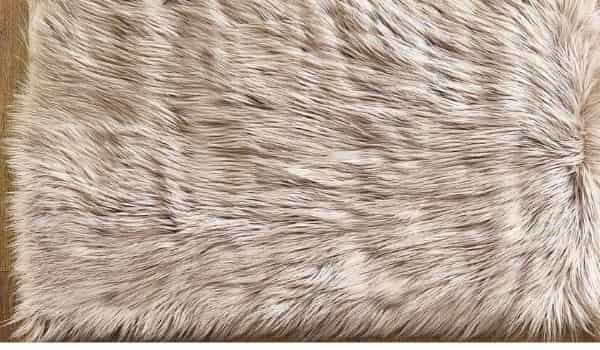 Ashler-Faux-Fur-Beige-Rectangle-Area-Rug-Indoor-Ultra-Soft-Fluffy-Bedroom-Floor-Sofa-Living-Room-min